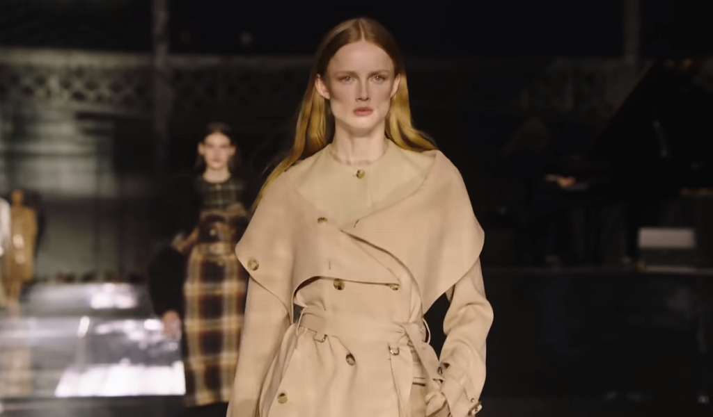 Burberry cierra con broche de oro la London Fashion Week