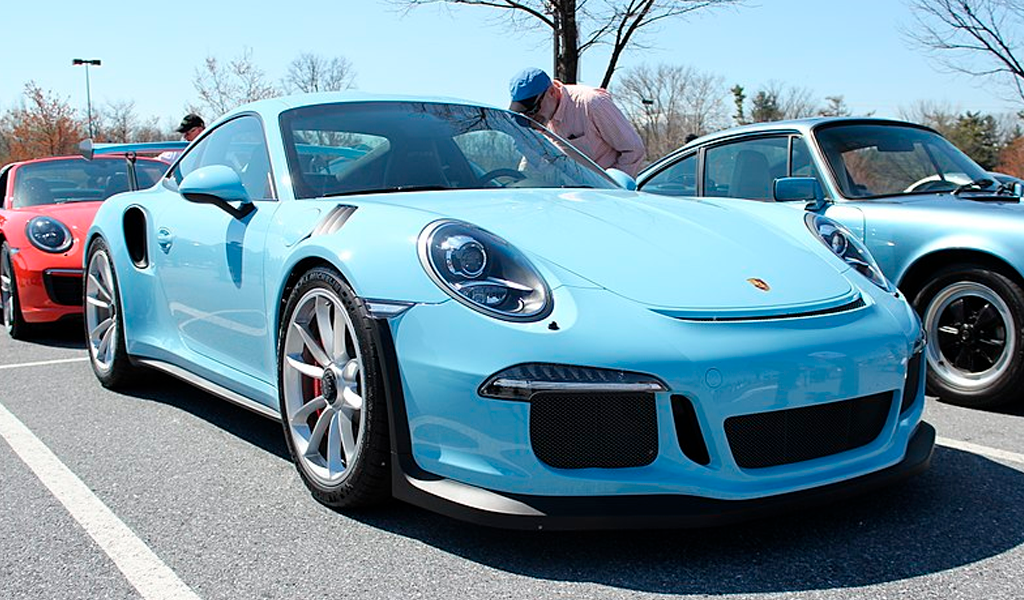 Colombiano hace test drive de Posrch 911 GT3 RS