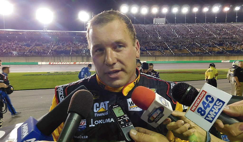 Ryan Newman sin heridas mortales tras accidente en Nascar