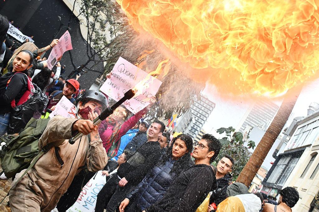 21 de noviembre, Colombia, Bogotá, manifestaciones, protestas, videos, resumen, jornada, cacerolazo