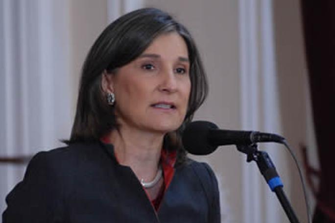 Cecilia María Vélez