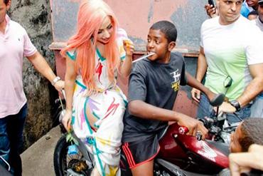Lady Gaga Favelas