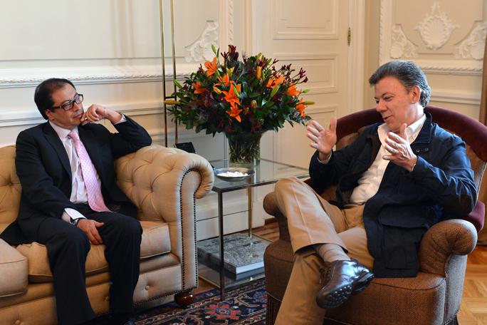 Gustavo Petro y Juan Manuel Santos