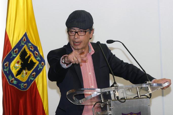 Gustavo Petro, Alcaldía, Bogotá, Colombia, Kienyke
