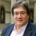 Jaime Abello Banfi, Kienyke