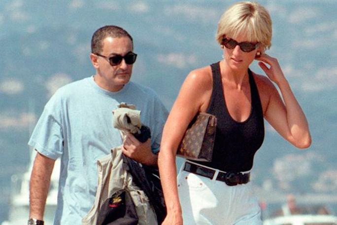 Lady Di y Dodi Al Fayed, Kienyke