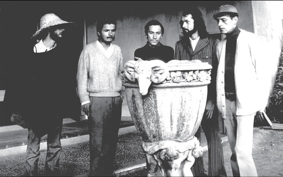 Eduardo Escobar, Nadaistas, Colombia, Kienyke