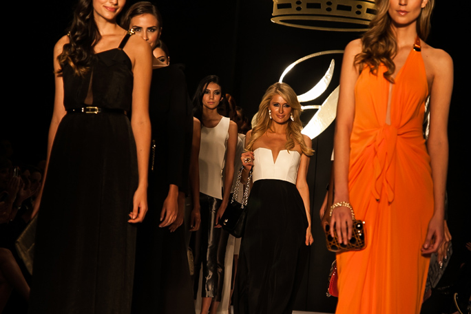 Paris Hilton, Bogotá, Colombia, Kienyke