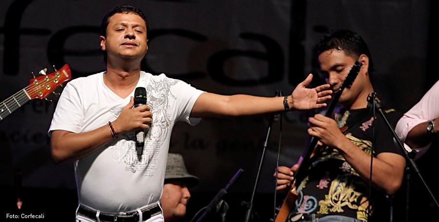 Rafael Santos, Kienyke