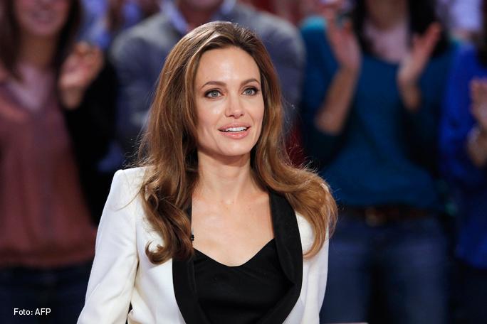 Angelina Jolie, Kienyke