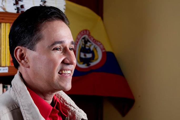 David Correa, Kienyke