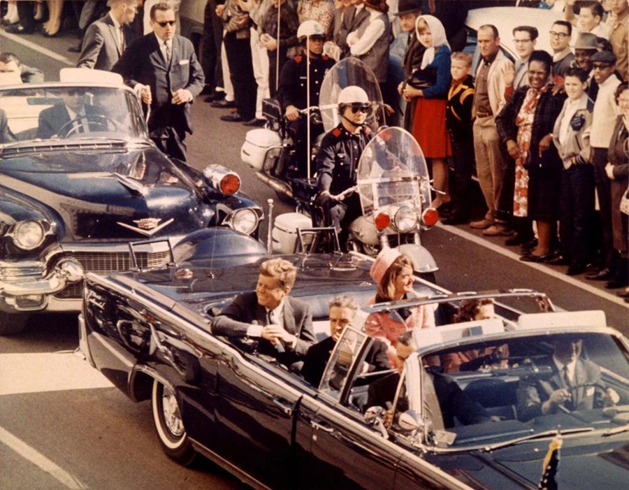 John F Kennedy, Kienyke