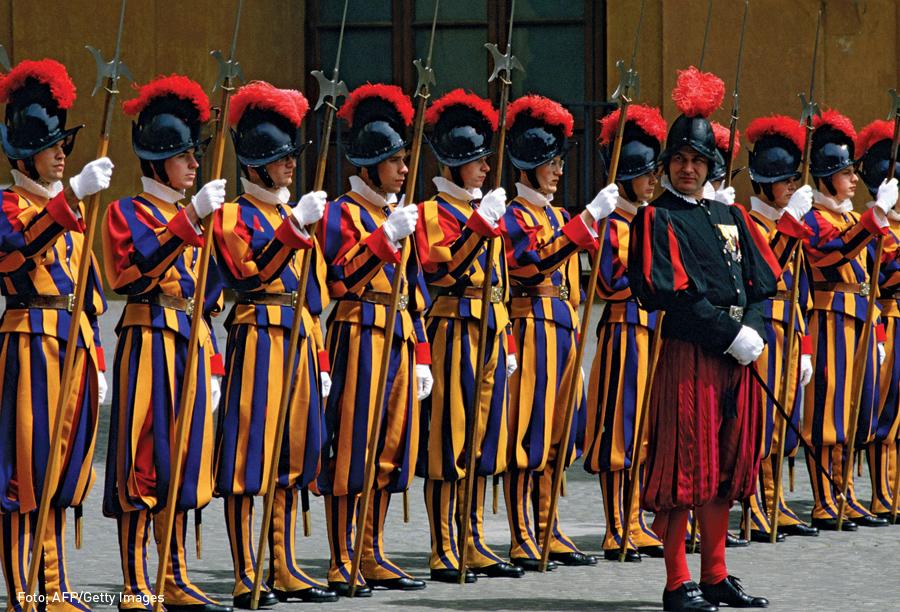 Guardia Suiza, Vaticano, Kienyke