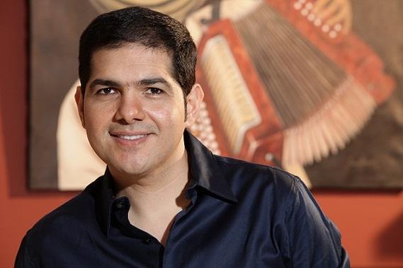 Peter Manjarrés cantará el himno Nacional