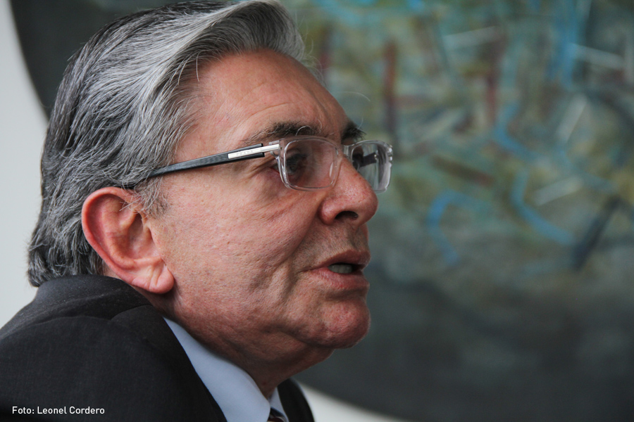 Fabio Valencia Cossio, Kienyke