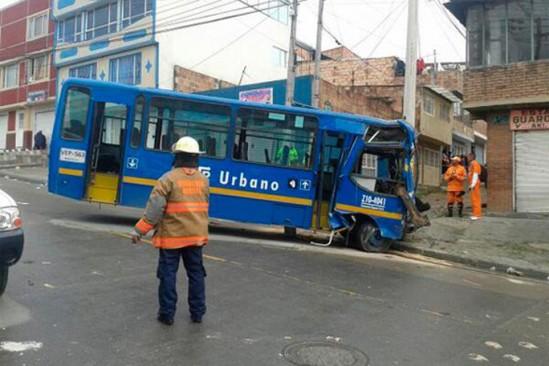 accidente de transito SITP-twitter @AArias888, kienyke