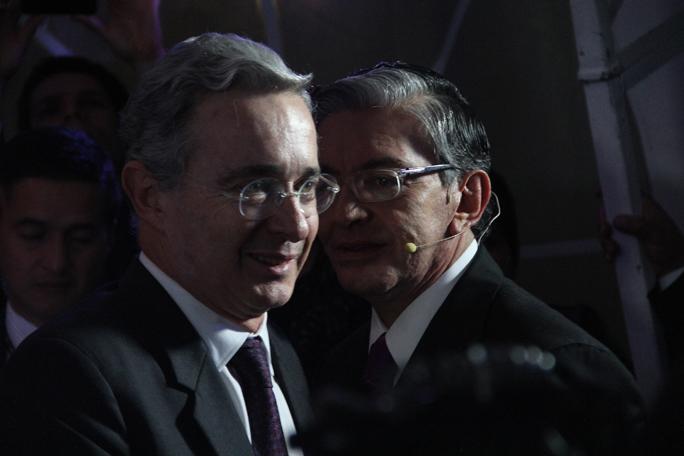 Alvaro Uribe y Fabio Valencia, kienyke