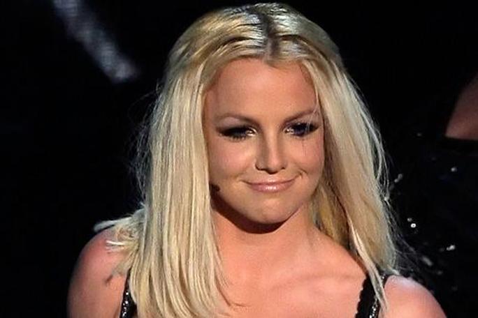 Britney Spears, Kienyke