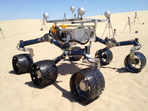 """Feliz cumpleaños al robot """"Curiosity"""" en Marte"""