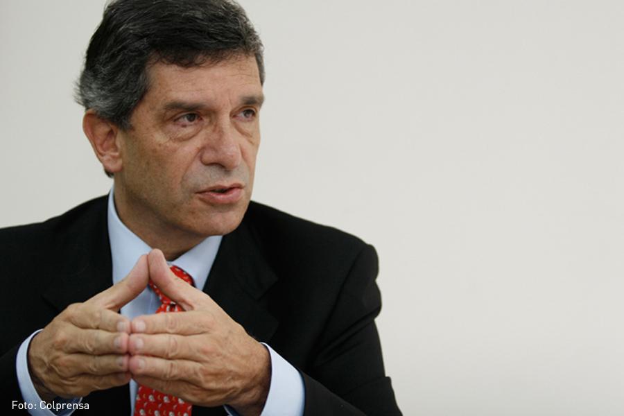 Rafael Pardo, Kienyke