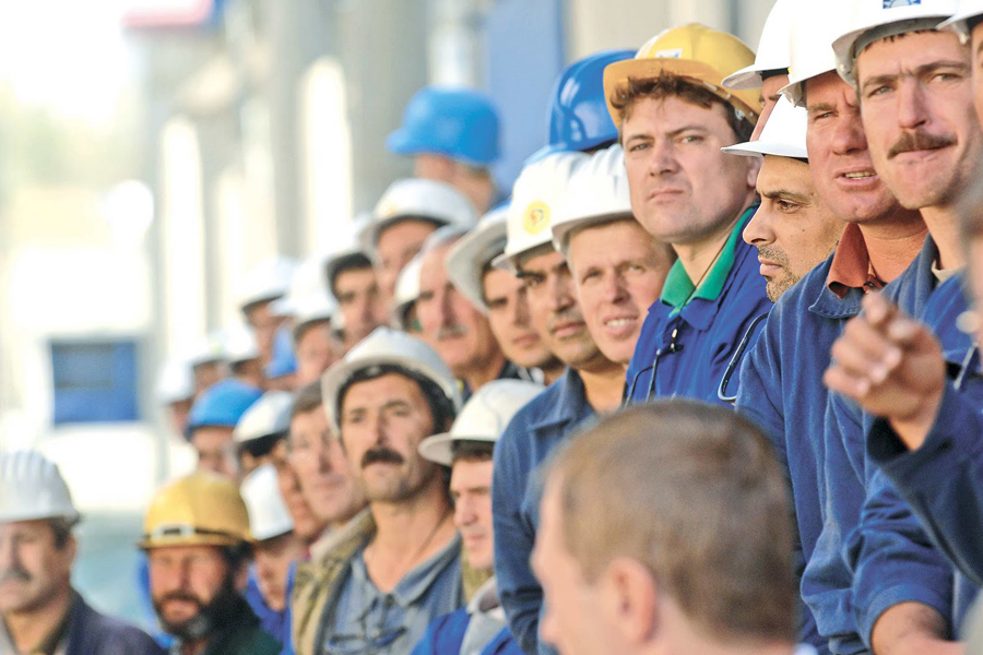 Empleados, Obreros, Construcción, Kienyke