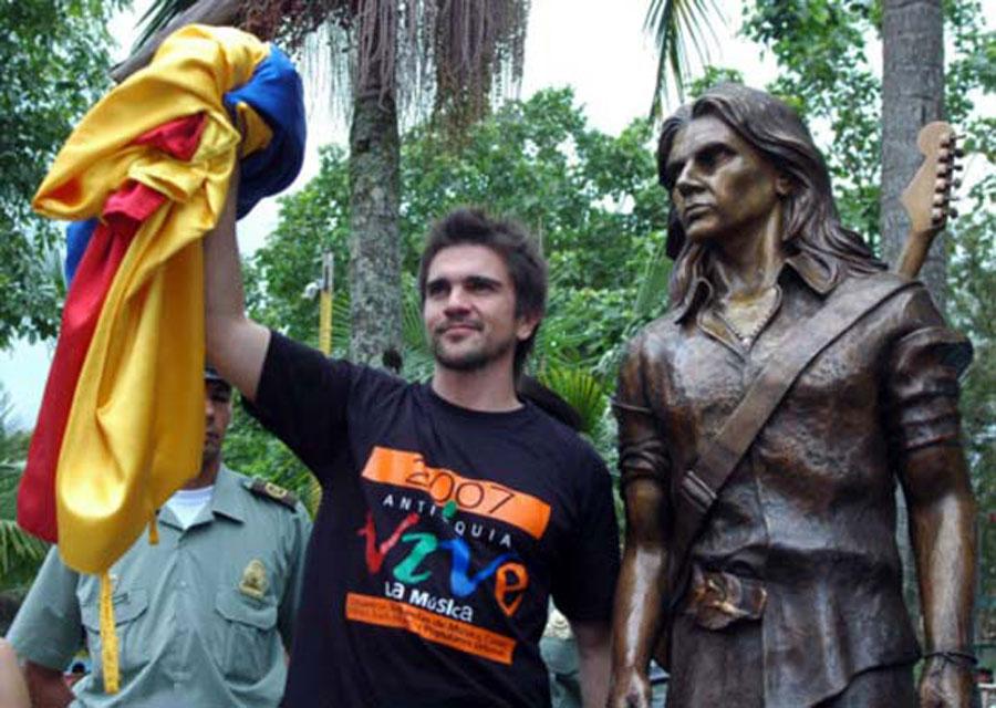 Juanes, Estatua, Antioquia, Kienyke, Carolina del Príncipe