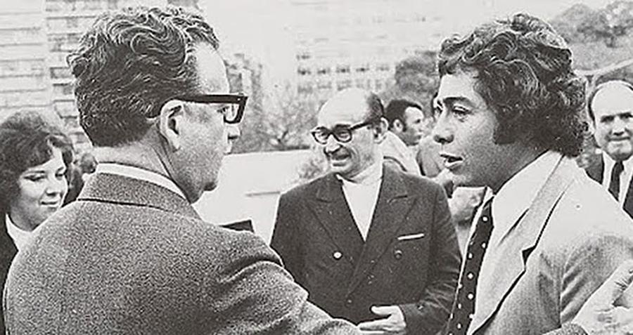 Salvador Allende y Carlos Caszely, Kienyke