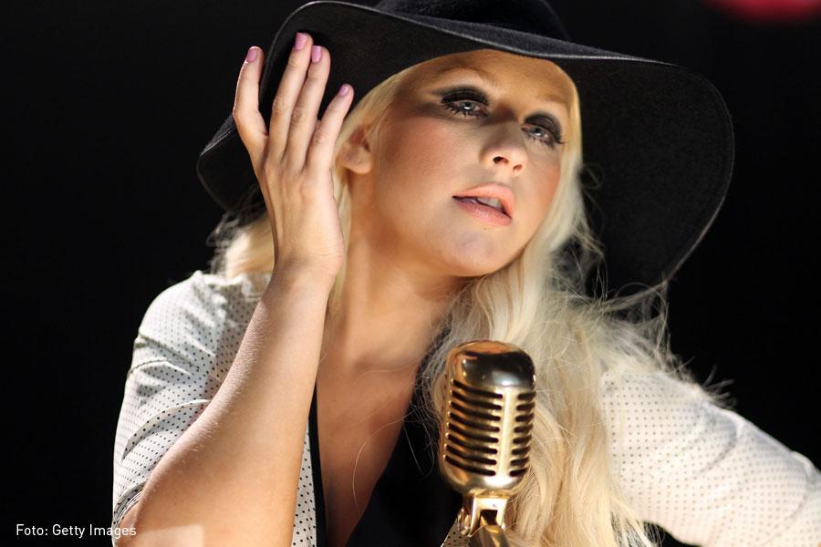 Christina Aguilera, Kienyke