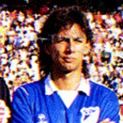 Eduardo Pimentel, Kienyke