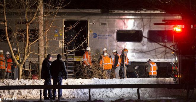 Siete muertos por choque de tren con un vehículo en Nueva York