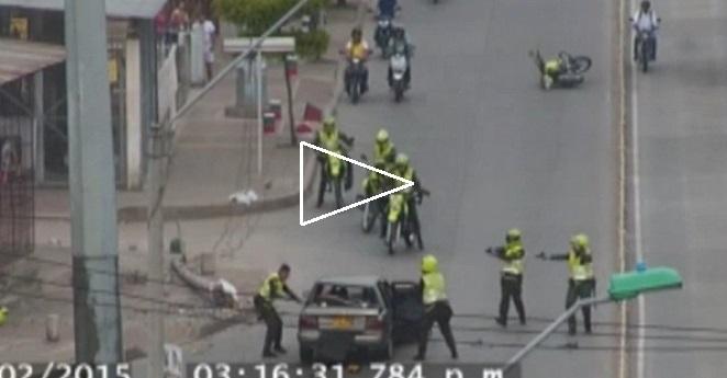 (Video) Balacera entre fleteros y policías en Cali