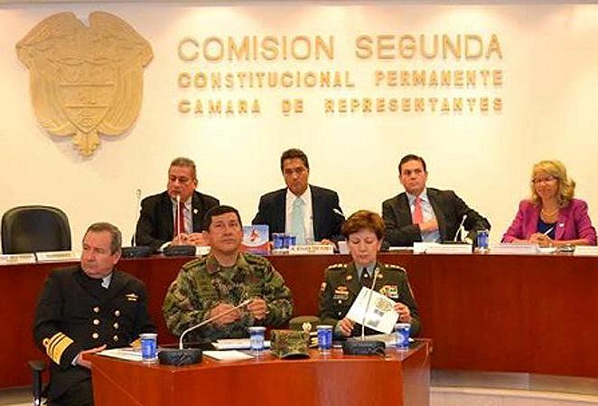 El teléfono roto entre la Comisión de Inteligencia y el Mindefensa
