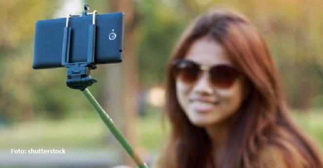 Museos de Taiwán prohíben el uso de palos para tomar selfies