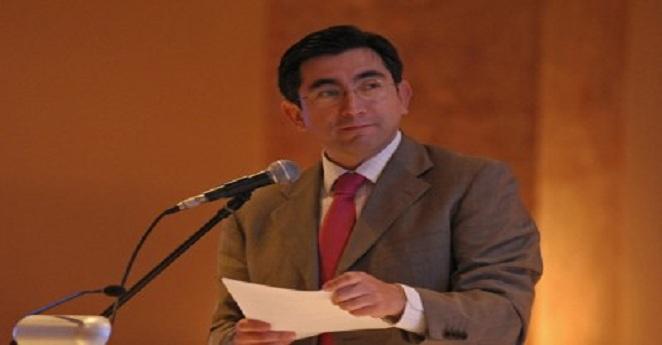 Por ejercer supuestas presiones indebidas investigan a ministro de las TIC