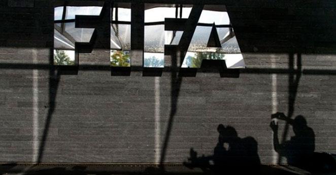 Pese a escándalo, FIFA descarta cambio de sedes de mundiales de 2018 y 2022
