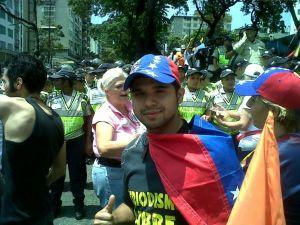 Leonardo Oliveros, en su última marcha. Afirma que la represión por parte de la policía fue fuerte.
