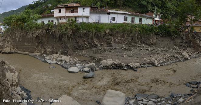 Conozca el mapa de riesgo de deslizamientos e inundaciones en Colombia
