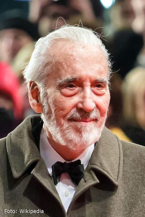 Christopher Lee- Wikipedia