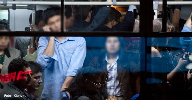 Idea contra el acoso: sillas de Transmilenio serían solo para mujeres