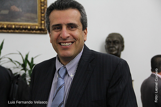 Luis fernando Velasco, Senador colombiano