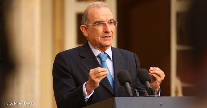 Negociadores piden definir con realismo el plebiscito para la paz