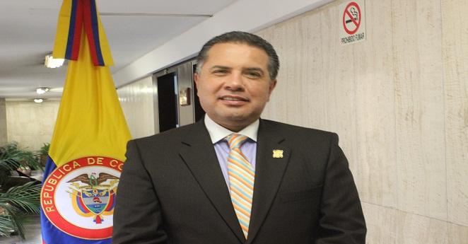 Representante Fernando Sierra