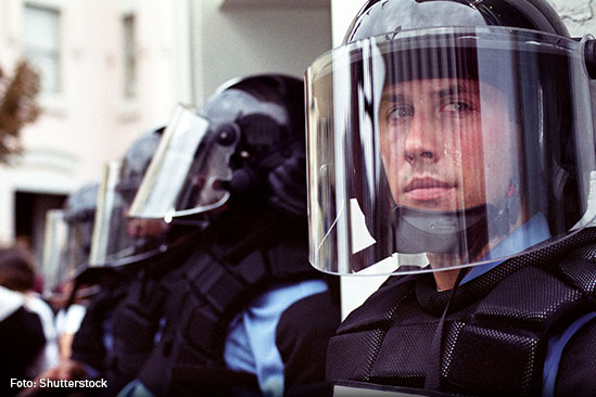 policias-shutterstock_51160834