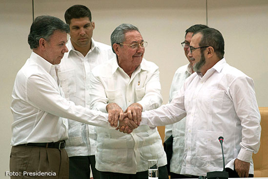 'Timocheko' culpa al Gobierno por lentitud en diálogos y Santos responde