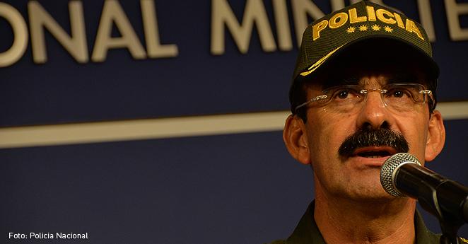 No puedo descabezar al general Palomino por chismes: Santos