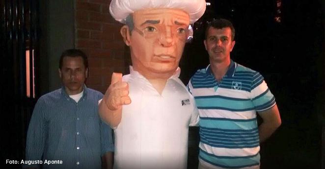 Un dummy de Uribe se roba el show en cumbre del Centro Democrático