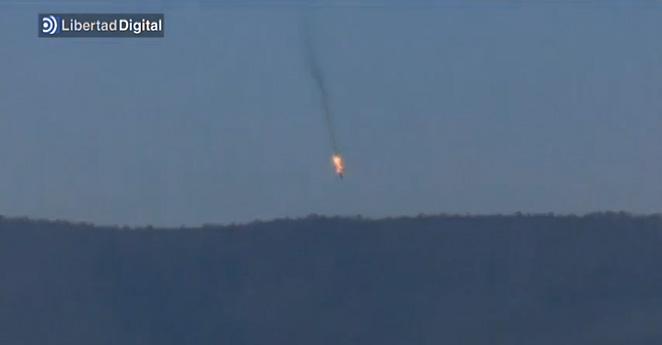 (Video) Momentos en que un avión ruso es derribado por Turquía