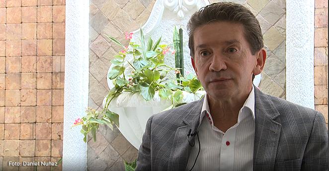 Luis Pérez y Álvaro Uribe anunciaron que trabajarán en Antioquia