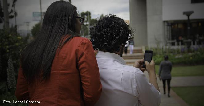 La condenaron a cuatro años de cárcel por espiar a su esposo con una app