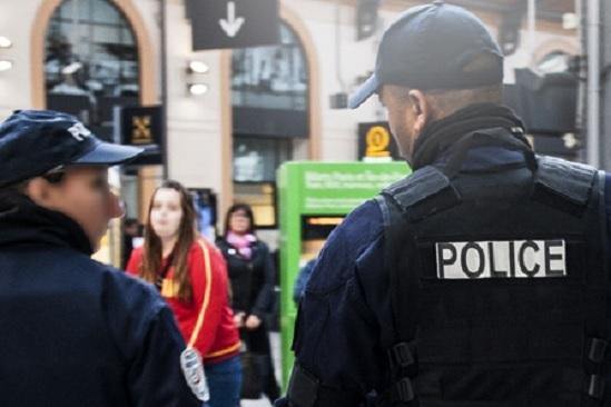 En medio de balacera policía de Francia da de baja a dos presuntos terroristas